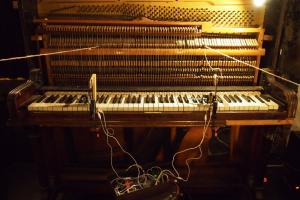 Piano Plays Piano